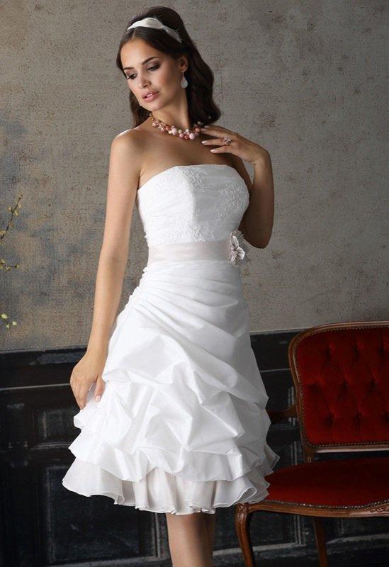 korte bruidsjurk strapless