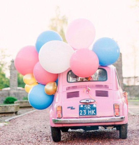 Opvallende bruidsauto versiering