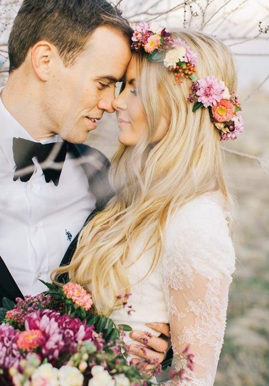 Bohemisch trouwkapsel met lang haar