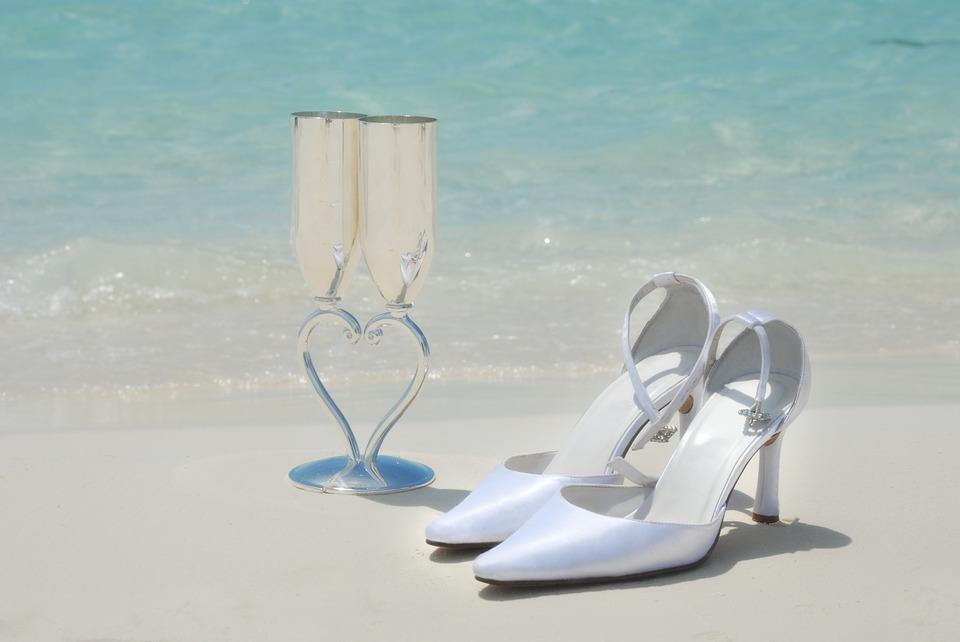trouwschoenen wit strand