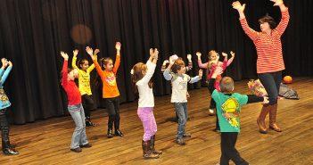 dansje-instuderen-voor-het-bruidspaar-www-27east-com
