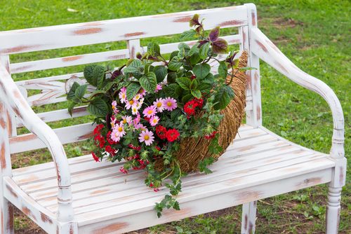 Tuinbankje cadeau bij 25 jarige bruiloft