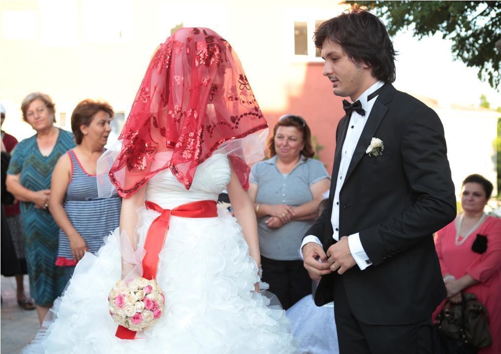Gesluierde bruid