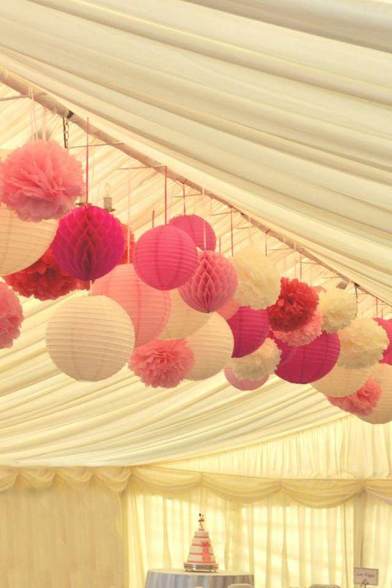 Vorlijke lampionnen op bruiloft