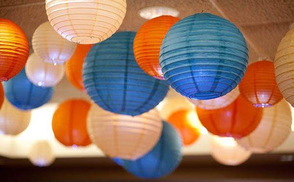 gekleurde lampions