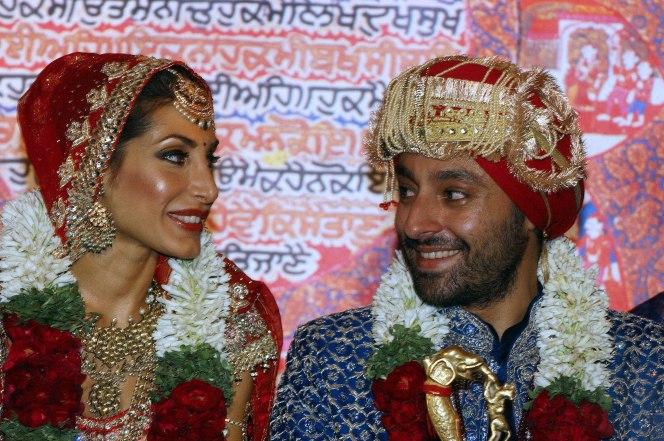 Vikram Chatwal en priya schadev